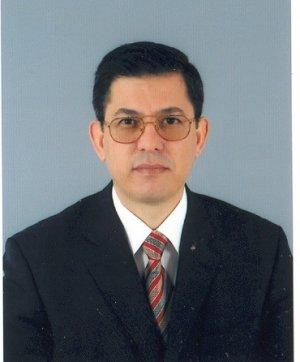 Prof. Dr. Ferhat Koca kimdir?